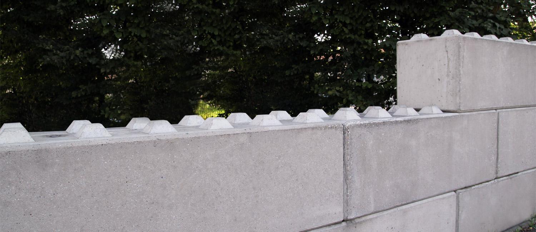 Beton fertigmauer
